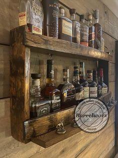 Diy Home Bar, Home Bar Decor, Diy Bar, Bars For Home, Bar Shelves, Liquor Shelves, Shelf Display, Ideas Para Madera, Whiskey Barrel Bar