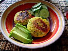 we love veggie: Kartoffel-Couscous-Laibchen mit Gurkensalat - heal... Food Blogs, Vegan, Couscous, Avocado Toast, Veggies, Breakfast, Vegetarian Chili, Eat Clean Lunches, Cucumber Salad