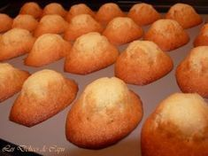 Intense Madeleines (by Claire Heitzer) - The delights of Capu - Gourmandises sucrées - Kekse Rezepte Brunch Recipes, Cake Recipes, Dessert Recipes, Healthy Breakfast Menu, Breakfast Recipes, Beignets, Chefs, Easy Chocolate Chip Cookies, Cake Factory