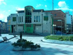 Biblioteca de La Felguera (Langreo) http://www.bibliotecaspublicas.es/lafelguera/index.jsp