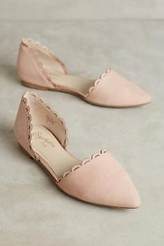 beautiful blush scalloped flats | #affiliate