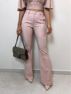 Moda Jeans, Cute Jeans, Professional Outfits, Work Looks, Minimal Fashion, Occasion Dresses, Formal Wear, Spring Outfits, Cool Girl