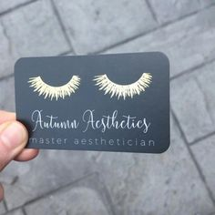 The best makeup artist business cards! Stop letting your customers get away! Increase your clientele now by utilizing fancy business cards. Foil Business Cards, Makeup Artist Business Cards, Custom Business Cards, Business Card Design, Lashes Logo, Lash Room, Best Makeup Artist, Best Makeup Products, Artist Profile