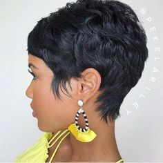 Popular Short Haircuts 2018 – hort haircuts are possessing a foremost era at this moment. From iconic pixie cut to bangs and fringes,. Popular Short Haircuts, Short Pixie Haircuts, Short Black Hairstyles, Pixie Hairstyles, Latest Haircuts, Hairstyles 2018, Braid Hairstyles, Trendy Hairstyles, Pixie Styles