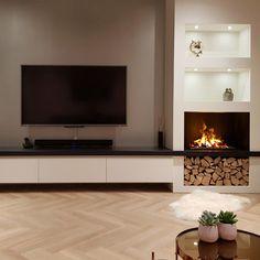 Living Room Decor Fireplace, Home Fireplace, Modern Fireplace, Fireplace Surrounds, Fireplace Design, Interior Design Living Room Warm, Living Room Tv Unit Designs, Living Room Modern, Home Living Room