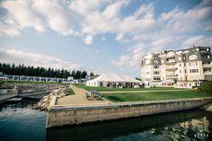 Marina Lawn Panel, Bay Harbor Village Hotel | Photo courtesy of Weber Photography