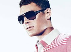 Number One Sun » Pro golfer Martin Kaymer was the second German to become the top-ranked player in the world. He stays styled off the green with sleek and sporty BOSS Black sunwear style BOSS 0409/S from Sàfilo USA.
