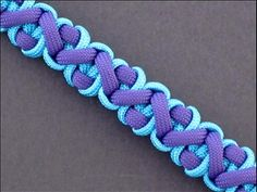 This is the Crooked River Bar by FusionKnots. Here's a great tutorial and this makes an awesome, rounded weave that I'm going to use on my next lanyard...  #ParacordBraceletHQ
