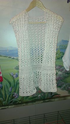 Ravelry: Nathalieke28's 145-4 Leona - Vest with fan pattern in Paris