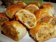 Spicy Chicken Rolls Spicy Chicken Rolls – a lovely addition to your Afternoon/High Tea or as an Hors'doevre at your Party ~ Tea Recipes, Cooking Recipes, Savoury Recipes, Savoury Tarts, Mince Recipes, Savoury Baking, Amish Recipes, Dutch Recipes, Grill Recipes