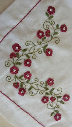 Wonderful Ribbon Embroidery Flowers by Hand Ideas. Enchanting Ribbon Embroidery Flowers by Hand Ideas. Ribbon Embroidery Tutorial, Hand Embroidery Flowers, Learn Embroidery, Hand Embroidery Stitches, Silk Ribbon Embroidery, Crewel Embroidery, Hand Embroidery Designs, Embroidery Patterns, Machine Embroidery