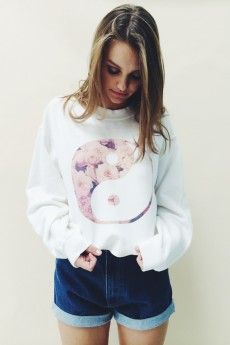Nancy Tao Flower Sweatshirt