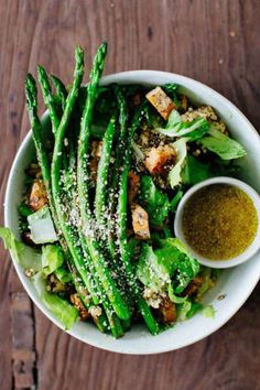 Assiette gourmande (Asperges+Salade+Croûtons+Quinoa+Parmesan)
