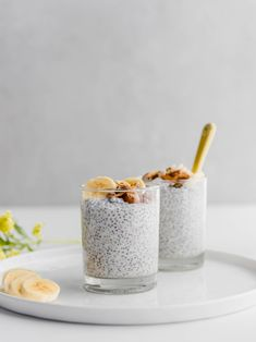 This easy 4 ingredient Creamy Coconut Chia Pudding is the ultimate healthy, protein-packed breakfast, dessert or snack! Plus, it only takes 5 min to make. Healthy Vegan Breakfast, Protein Packed Breakfast, Breakfast Dessert, Healthy Protein, Sweet Breakfast, Brunch Recipes, Gourmet Recipes, Sweet Recipes, Vegan Recipes
