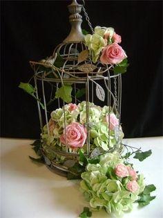 Hydrangea and Roses in a Birdcage BELLISIMA    DECO  ,,,,,LOVE,,,,,¿¿**+