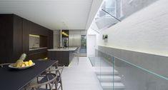Casa Lightwell / Emergent Design Studios