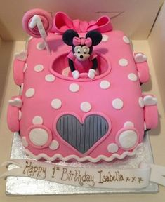 Minnie Mouse first birthday cake (mini moose cake) Minnie Mouse Party, Bolo Mickey E Minnie, Minni Mouse Cake, Minnie Mouse Birthday Cakes, Minnie Cake, 1st Birthday Cakes, Mickey Birthday, Birthday Ideas, Baby Cakes