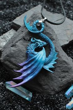 Hottest Photographs Sculpture Clay dragon Tips There are numerous forms of clay courts employed for figurine, all of differing concerning dealing with and f Clay Dragon, Dragon Art, Dragon Head, Dragon Necklace, Dragon Jewelry, Harry Potter Beasts, Small Dragon Tattoos, Sculptures For Sale, Cool Necklaces