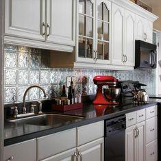 Mosaik  Oder Stahlstreifenwanddekoration In Der Küche