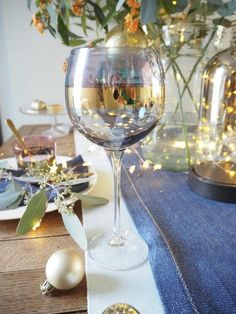 4 ways to style your Christmas dining table with lights - WeLoveHome