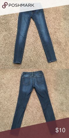 Old Navy Rockstar Jeans Gently used faded wash jeans Old Navy Jeans Skinny