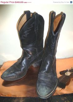Vintage+Sale+Vintage+Boots+11+Black+Western+by+LisAnneGallery,+$23.00
