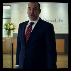 Suits S4 i signed VersaLife