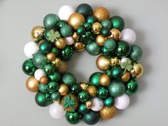 wreath-take off the clovers and its a Baylor wreath!! Sic em