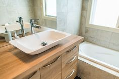 Egger H1145 Bardalino Oak 50mm worktop combined with Egger H1145 Bardalino oak 16mm cabinetry