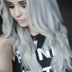 Love this long white / washed out lilac hair. I need hair this long x
