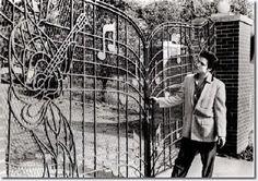 Elvis Presley at the gates of Graceland.  A George Vreeland Hill Pinterest post.  #ElvisPresley  #Graceland  #GeorgeVreelandHill