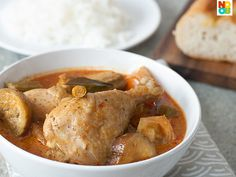 Easy and quick recipe for chicken curry with potatoes, a homely local delight.