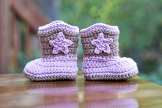 Crochet Baby boots.  @Elisha Hutton learn how to make these!!