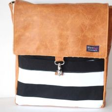 leather and striped book bag. i still can't get enough of stripes.