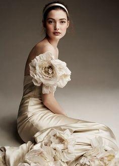 Tendance Robe De Mariée 2017/ 2018 : Brown & white/ivory #wedding #dress