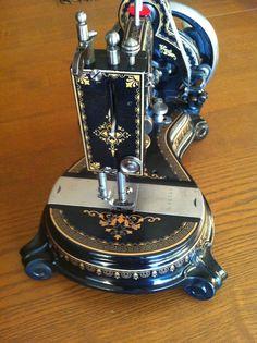 RARE Antique Sewing Machine Grimmi Natalis Model Washington (Original Washington hand crank sewing machine)
