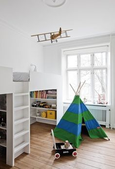 love the plane! And the bookshelves built-in under the bed - kid's room - kiddos