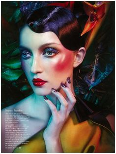 Exaggerated Shimmer Editorials : Heren