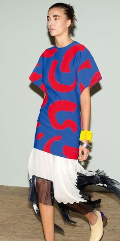 CÉLINE | Summer 2014 Ready to wear collection.  Tunic/dress over midi skirt.  New sleeve look.