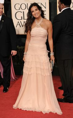 Demi Moore wore a nude chiffon dress by Christian Dior to the 2009 Golden Globes. Demi Moore Hair, Christian Dior, Red Carpet Ready, Chiffon Dress, Pink Dress, Beauty Women, Beautiful Dresses, One Shoulder Wedding Dress, Fashion Looks