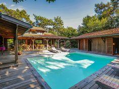 Réservez votre maison de vacances à Le Cap Ferret, comprenant 5 chambres pour 10 personnes. Votre location de vacances à Bassin d'Arcachon à partir de 214 € la nuit sur Homelidays.