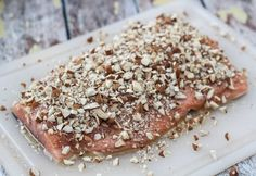 Laks i ovn med honning og mandler Salmon in oven with honey and almonds Oven Baked Salmon, Honey Salmon, Grilled Salmon Recipes, Shellfish Recipes, Anti Inflammatory Recipes, Fish And Seafood, Tapas, Brunch