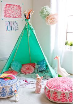 hello, Wonderful - 8 BRIGHT AND COLORFUL PLAYROOMS