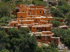 #Aspros #Potamos at #Makris #Gialos, #Crete.  www.cretetravel.cm