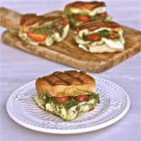 Grilled Chicken Pesto Sliders on MyRecipeMagic.com. These are out of this world delicious!
