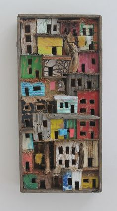 Artist Eric Cremers uses cardboard, wood, textiles and organic things like palm leaves, branches, and cactus to make his art. Wood Sculpture, Sculptures, Wal Art, Ceramic Houses, Assemblage Art, Driftwood Art, Wooden Art, Altered Art, Home Art
