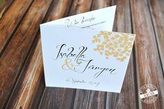 Diese Hochzeits Einladungen sind aus unserem Design Apricot Blüten. Ein klassisch, elegantes Design in Kalligraphie optik mit apricotfarbenen Blüten als Stilelement. Die Karten wurden in wien von www.feensaub.at entworfen. #feenstaub #hochzeit #einladung #einladungskarte #apricot #kalligraphie Save The Date Karten, Place Cards, Place Card Holders, Orange, Design, Moment, Invites Wedding, Card Wedding, Invitation Cards