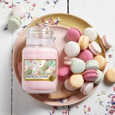 Rainbow Cookie is from Yankee Candle's Spring 2018 range. Cookies so light and airy they're ready to melt in your mouth—filled with citrus, peach and sweet vanilla frosting.