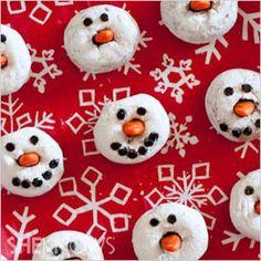The best Christmas desserts: Snowman doughnut faces #recipes
