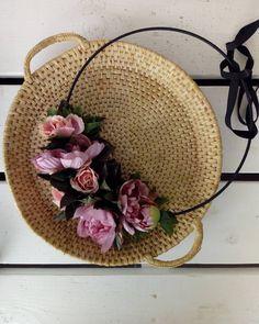 F l o w e r s / f l e u r s #fleurs #fleur #flowers #wreath #doityourself #diy #style #naturalvibes #photography #roses #peony #kukkia… Peonies, Roses, Diy, Wreaths, Instagram, Nature, Photography, Style, Design